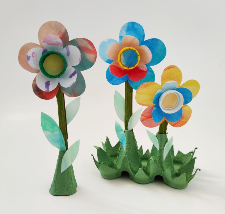 blomst av gjenbruksmaterialer